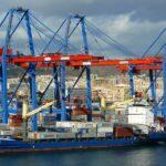 Importaciones y exportaciones a la baja