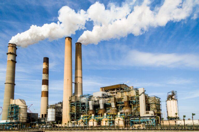 La industria química y el favorecimiento a otros sectores industriales